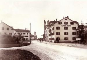 Foto der Bahnhofstrasse in Wetzikon im Jahr 1890